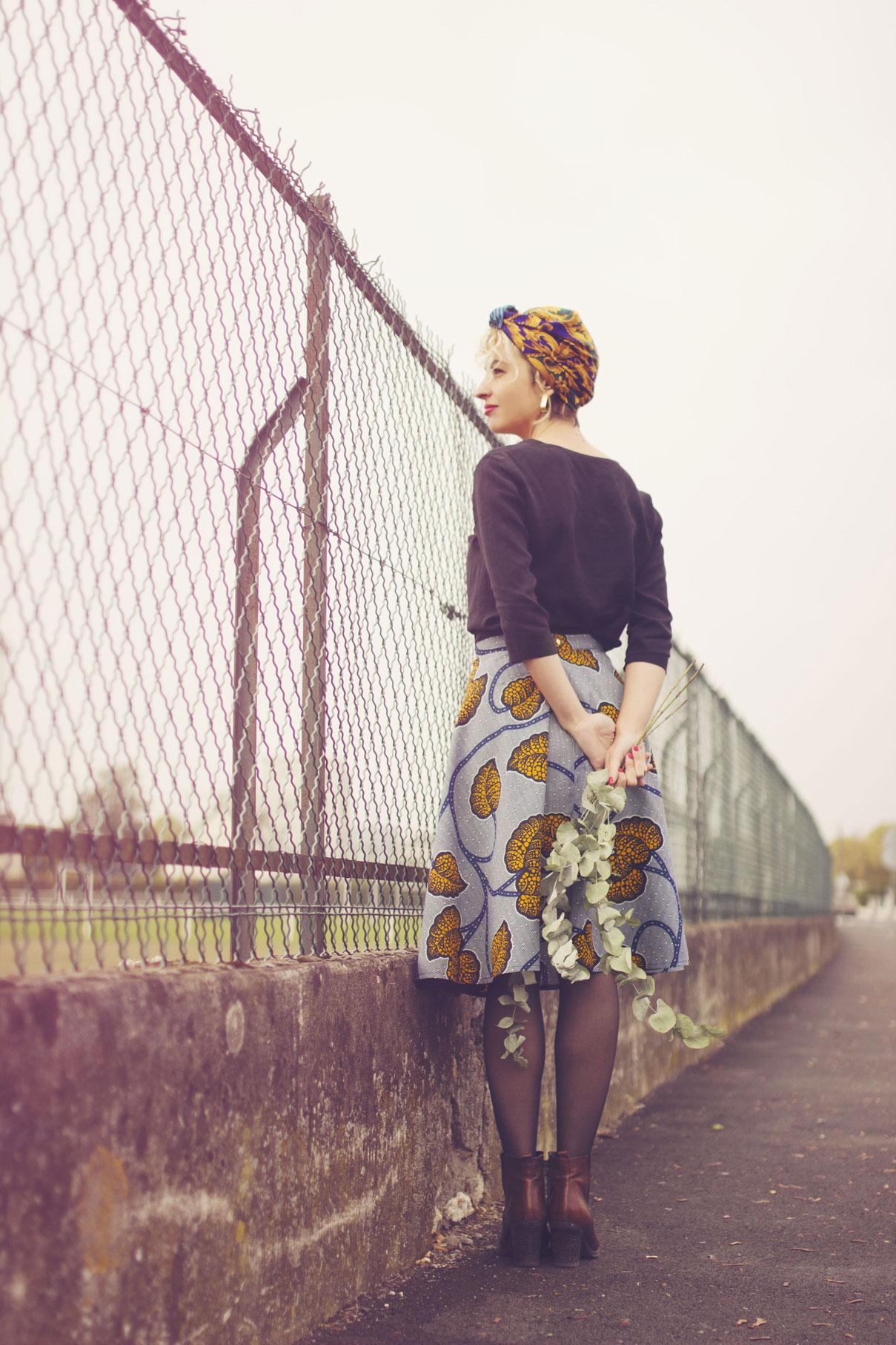 portrait mode d'une femme dans la rue