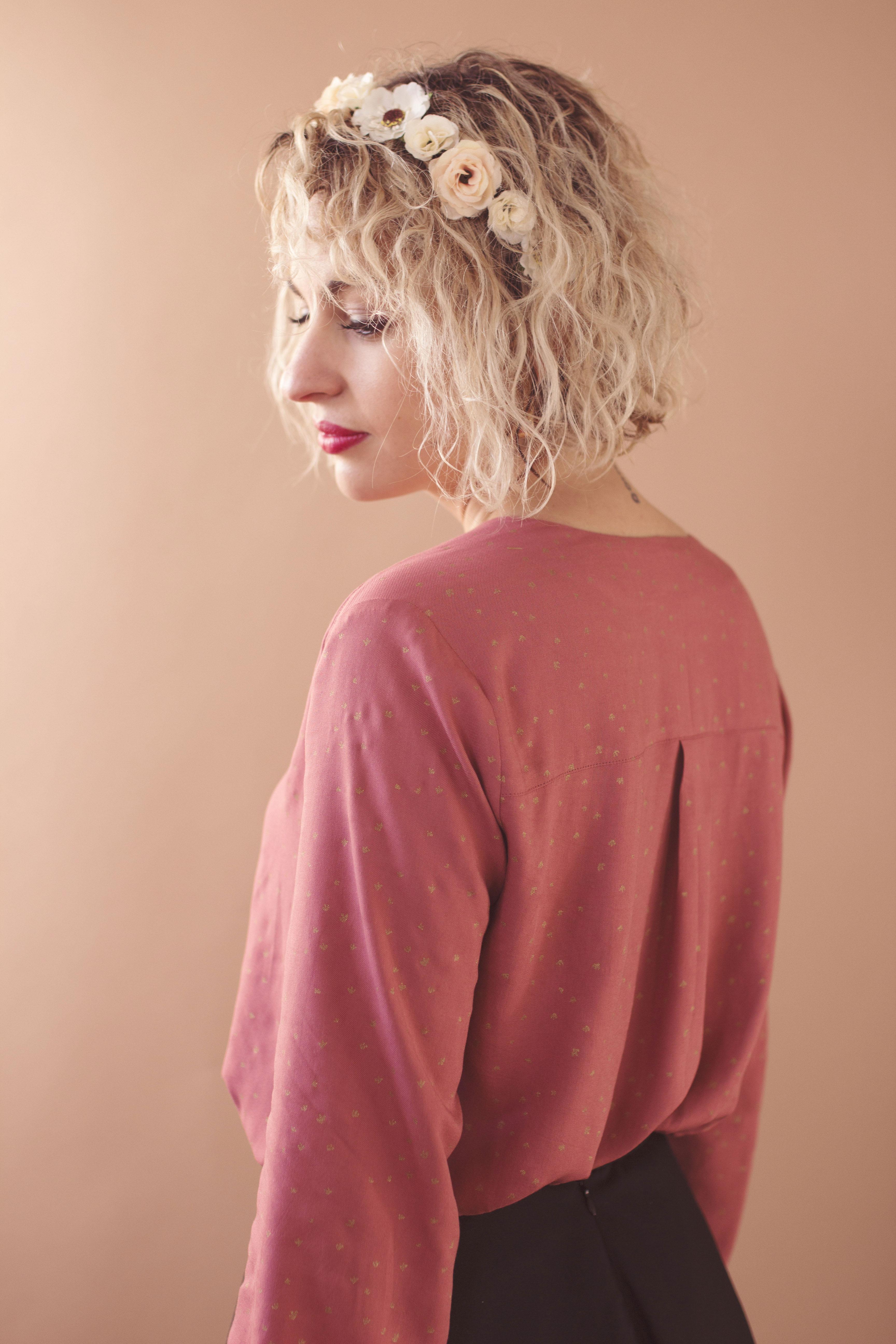 portrait d'une femme pour la marque maison elpida
