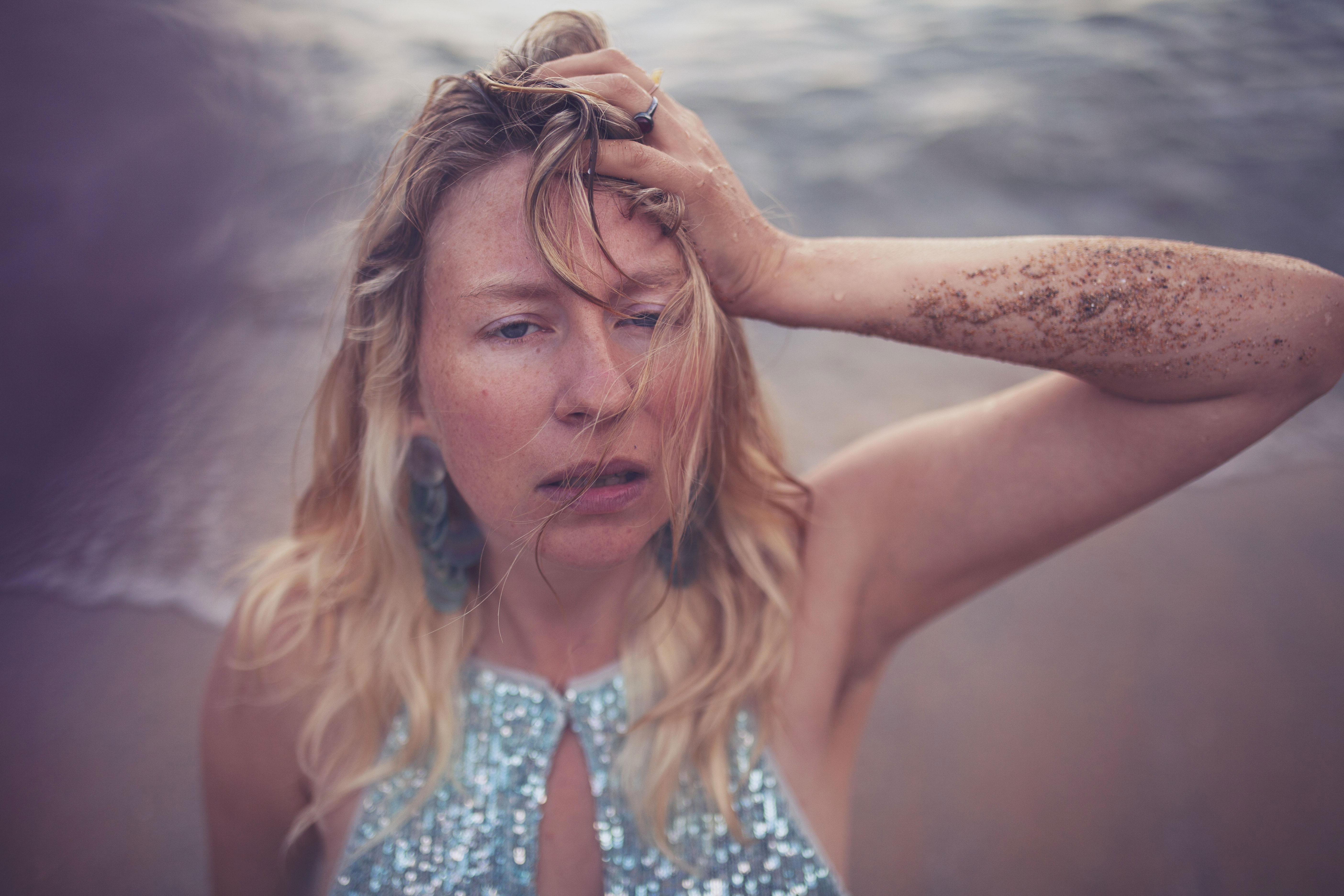 portrait sirène dans la mer