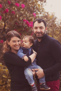 portrait de famille dans un parc